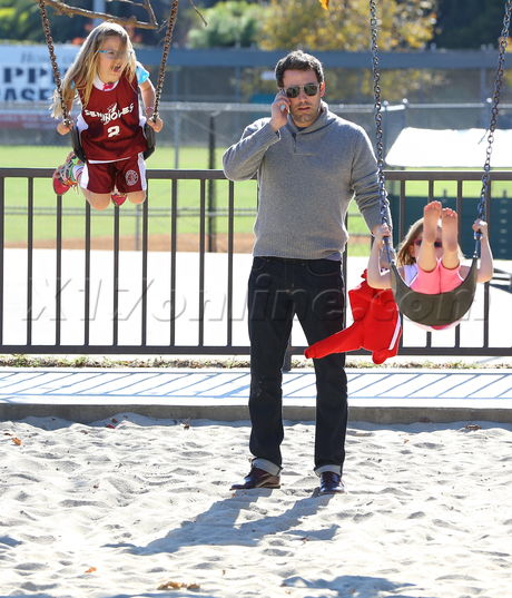 Ben Affleck takes Violet and Seraphina to the park